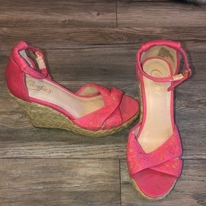 Women's 7 and 1/2 pink wedges